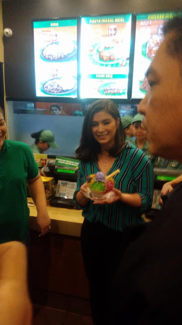 These Moments That Angel Locsin Shared With Her Fans, Showed How Accommodating And Nice She Really Is!
