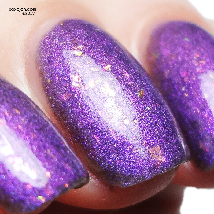 xoxoJen's swatch of Tonic Pearl Diver