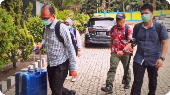 Komisi Pemberantasan Korupsi (KPK) dan Bareskrim Geledah Kantor Gubenur Papua