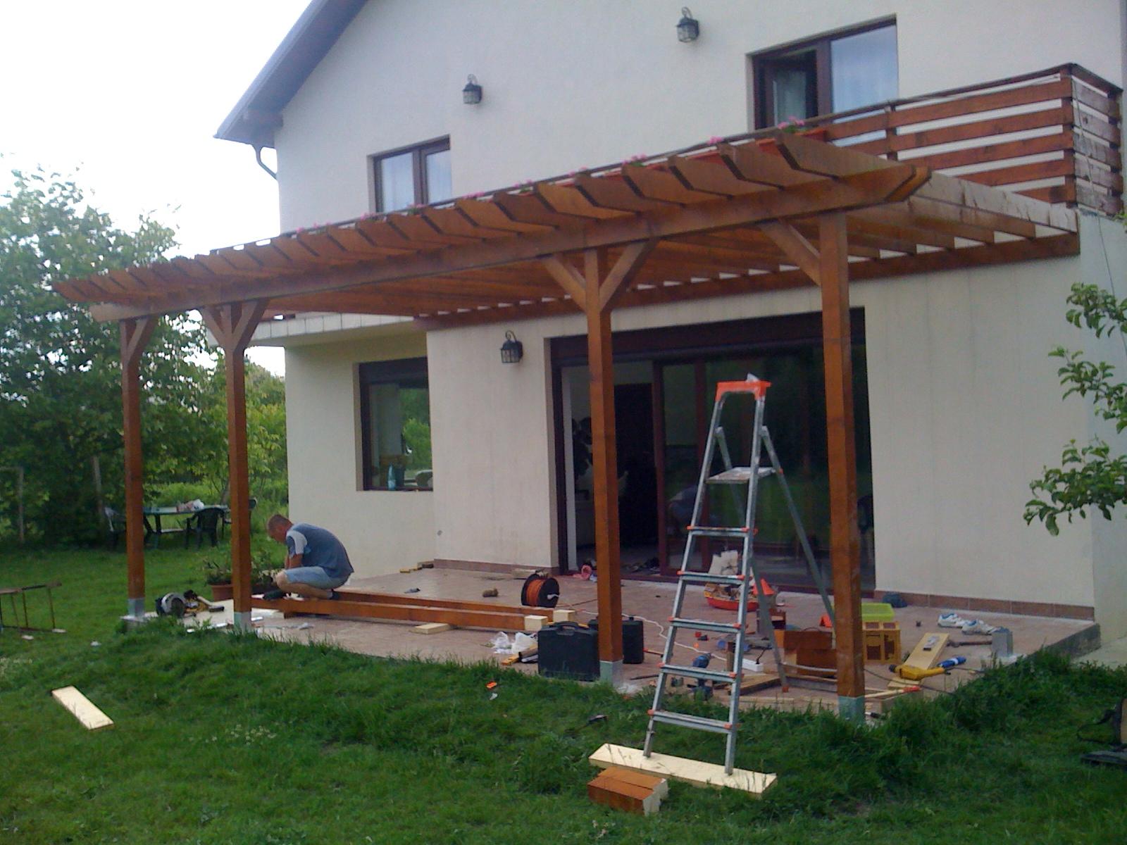 Pergola din lemn pergola din lemn de la schita la for Modele case cu terase acoperite