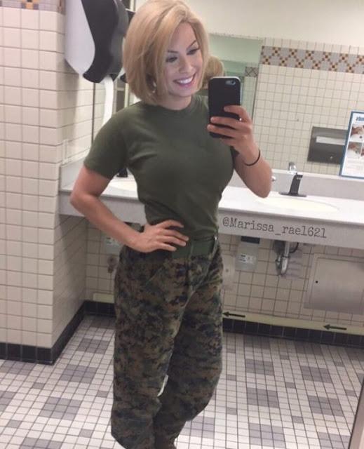 Combat Barbie, la chica más bella del ejército americano