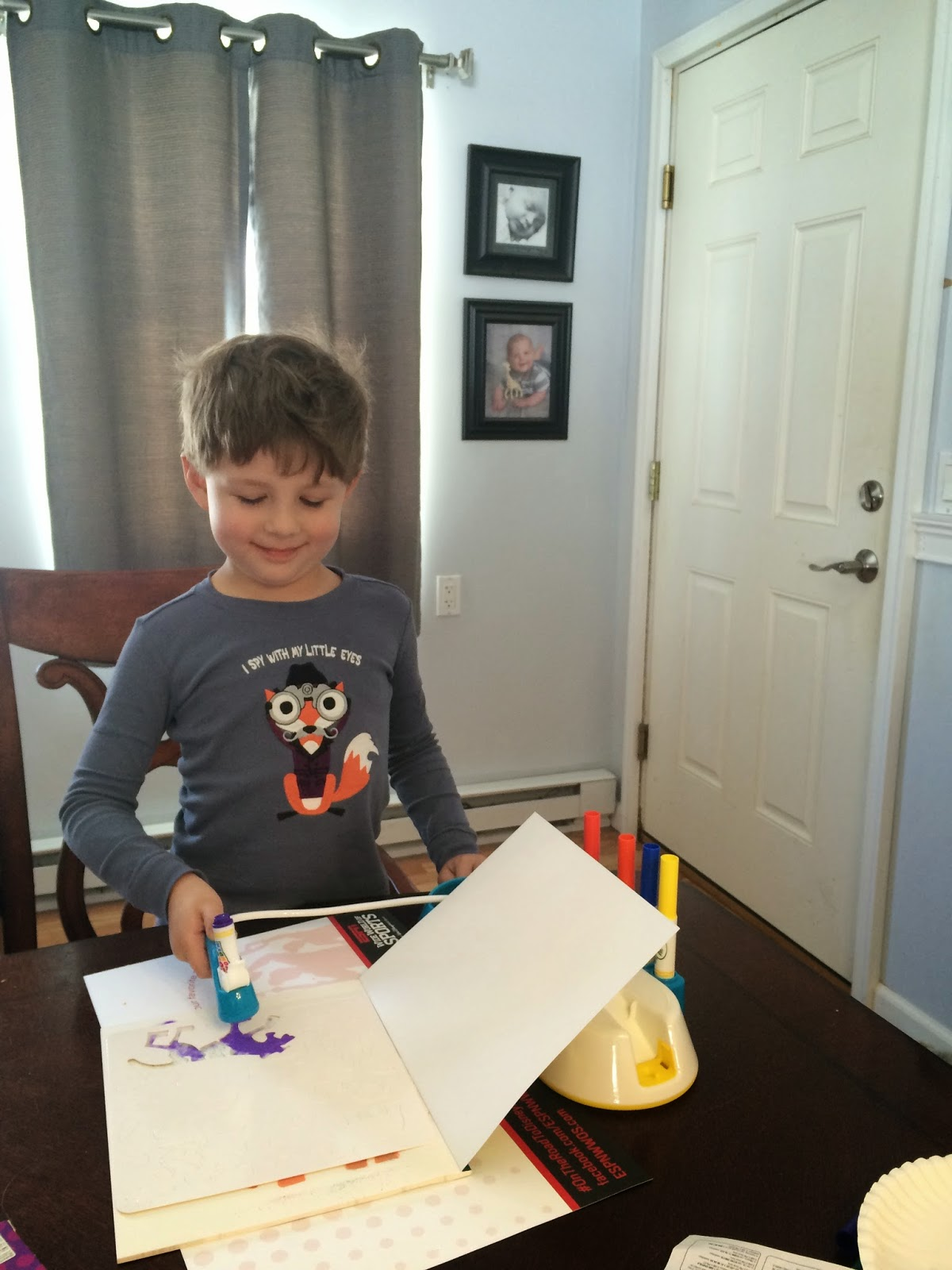 crayola color wonder mess free airbrush review 2014 holiday gift