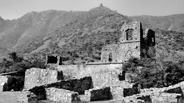 bhangarh fort rajasthan ghost town