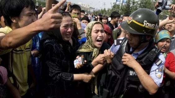 China Undang Diplomat Asing Kunjungi Kamp Xinjiang