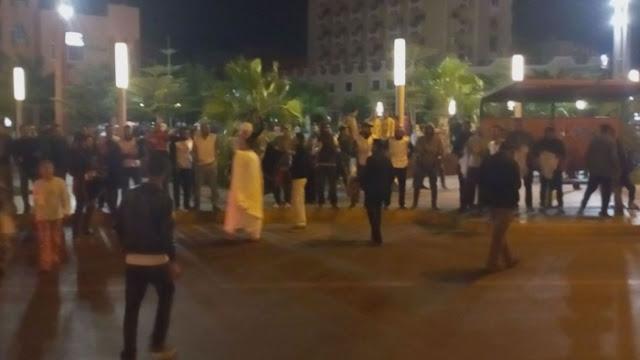 المعطلون الصحراويون بالمناطق المحتلة ينظمون وقفة احتجاجية ضد أساليب المحتل المغربي