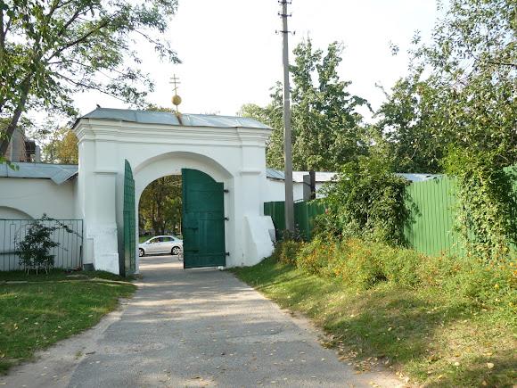 Чернигов. Елецкий Успенский монастырь. Ворота