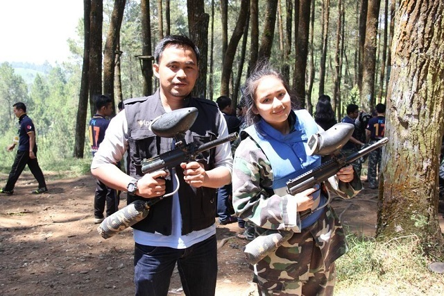 Gita Gutawa outbound paintball di gravity adventure bandung