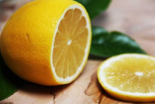 Benarkah Konsumsi Lemon Justru Bisa Memicu GERD?
