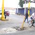COMERCIANTES DE POLLOS Y FRUTAS PREOCUPADOS POR ATORO DE LÍNEA DE DESAGÜE EN LA PARADA DE CHINCHA