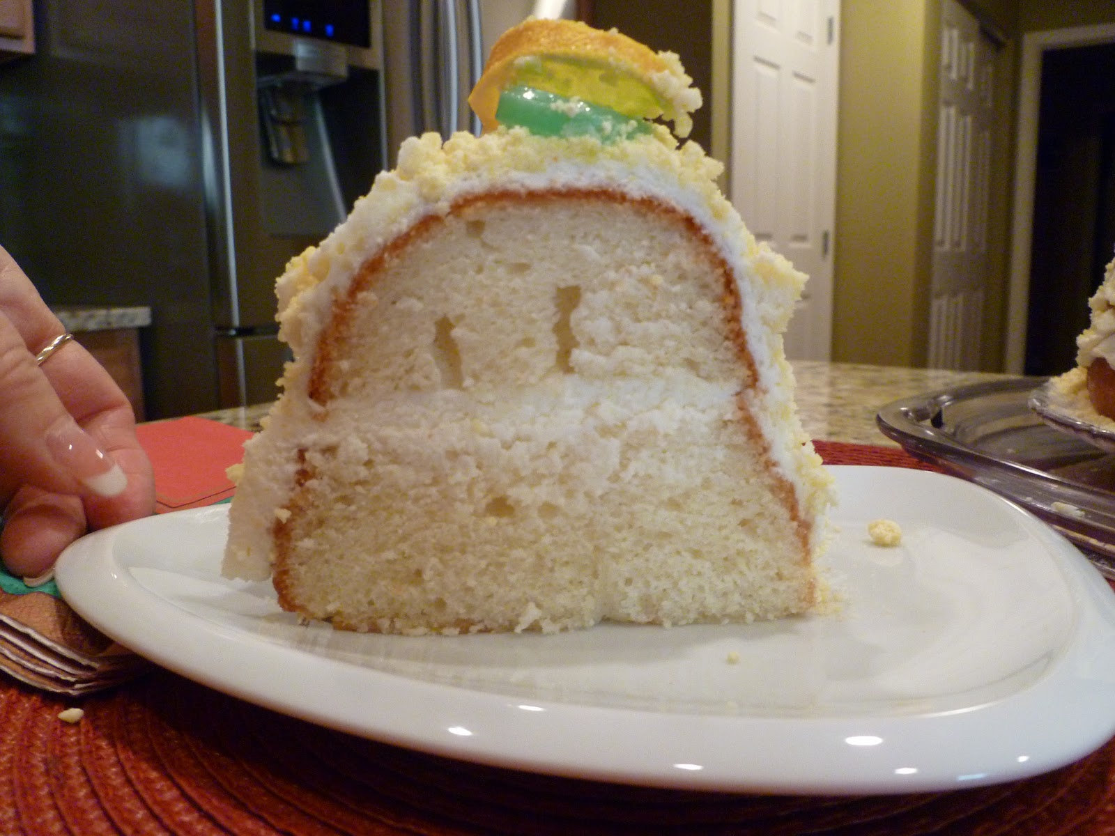 I Like to Bake and Cook!: Olive Garden\'s Lemon Cream Cake! Copycat ...