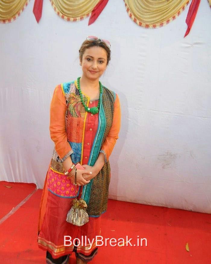 Divya Dutta, Hot Images of Shweta Khanduri, Divya Dutta At Spreading Awareness for Eco Friendly Holi Festival