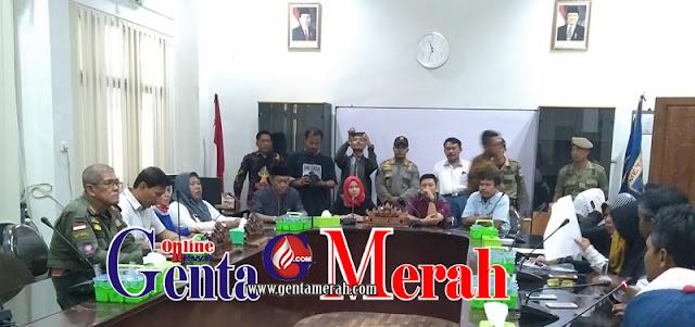 Ratusan Massa Unjuk Rasa, DPRD Metro Dukung Penuntasan Money Politik Pilgub Lampung