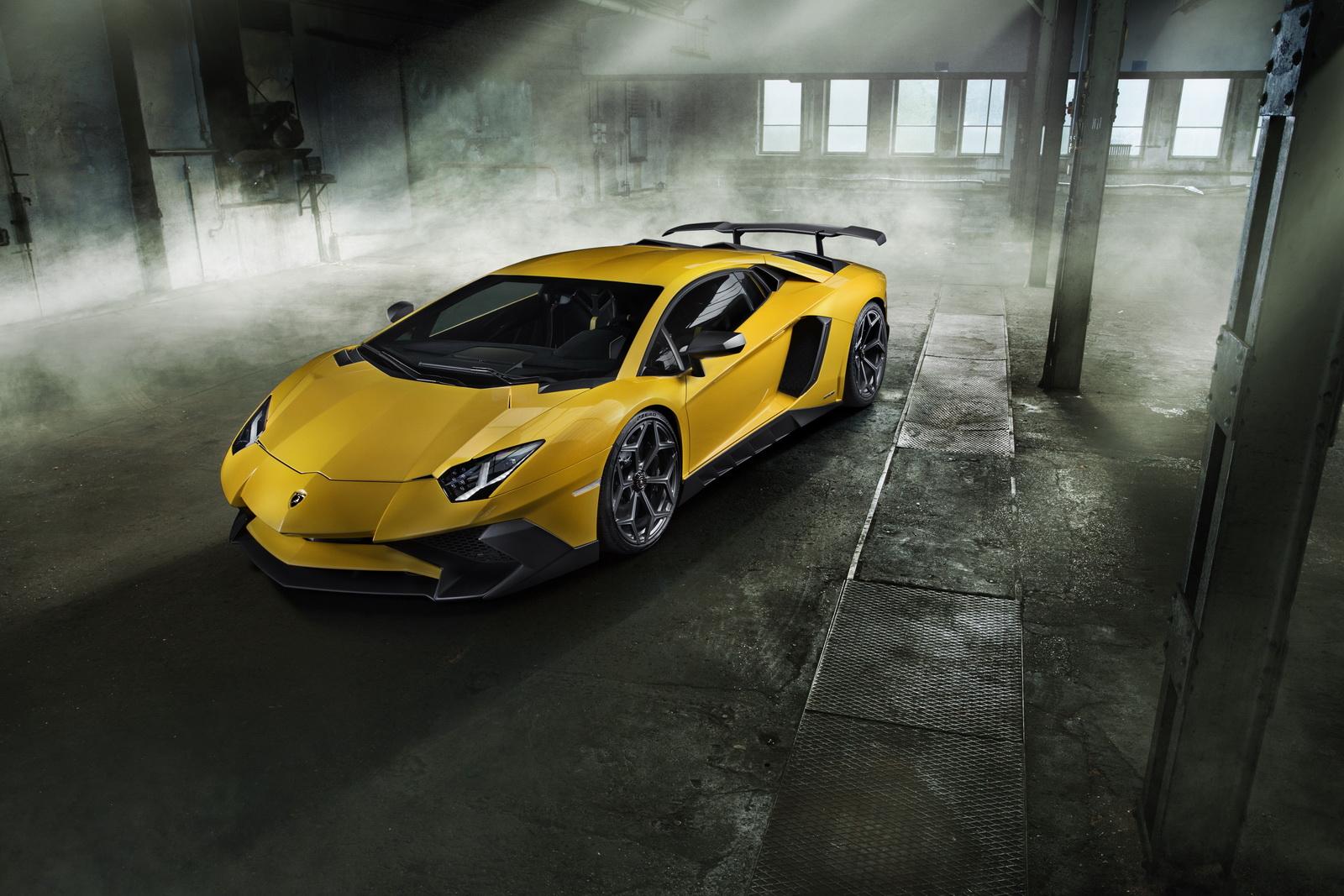 Lamborghini Aventador SV đã mạnh, nay còn mạnh hơn, nhanh hơn và cực kỳ cuốn hút