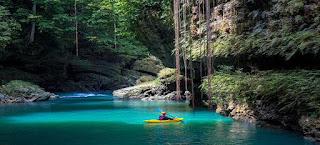 http://www.jurnalwisata.com/2017/04/8-tempat-wisata-di-jawa-barat-yang.html