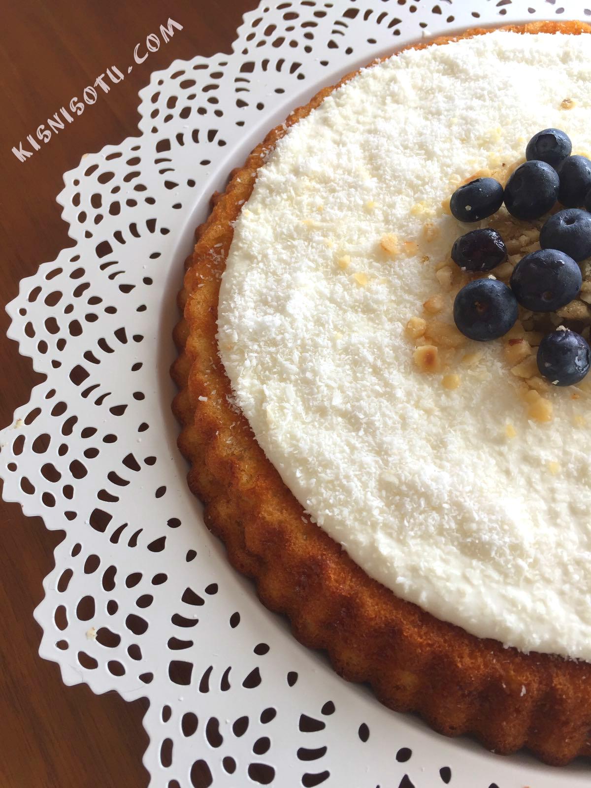Krema ile lezzetli ve narin bal kek: tarif