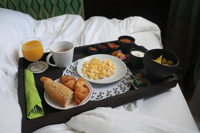 hotel jay breakfast