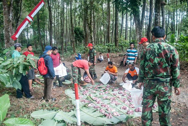 Qurban bersama Relawan Kemanusiaan & Lingkungan di Slerok