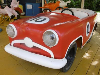 Parc le bournat, red car , malooka