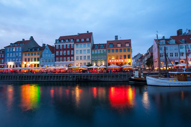 Canale di Nyhavn al tramonto-Copenhagen