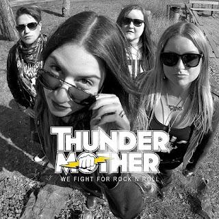 """Το τραγούδι των Thundermother """"We Fight For Rock"""" από το ομότιτλο single"""