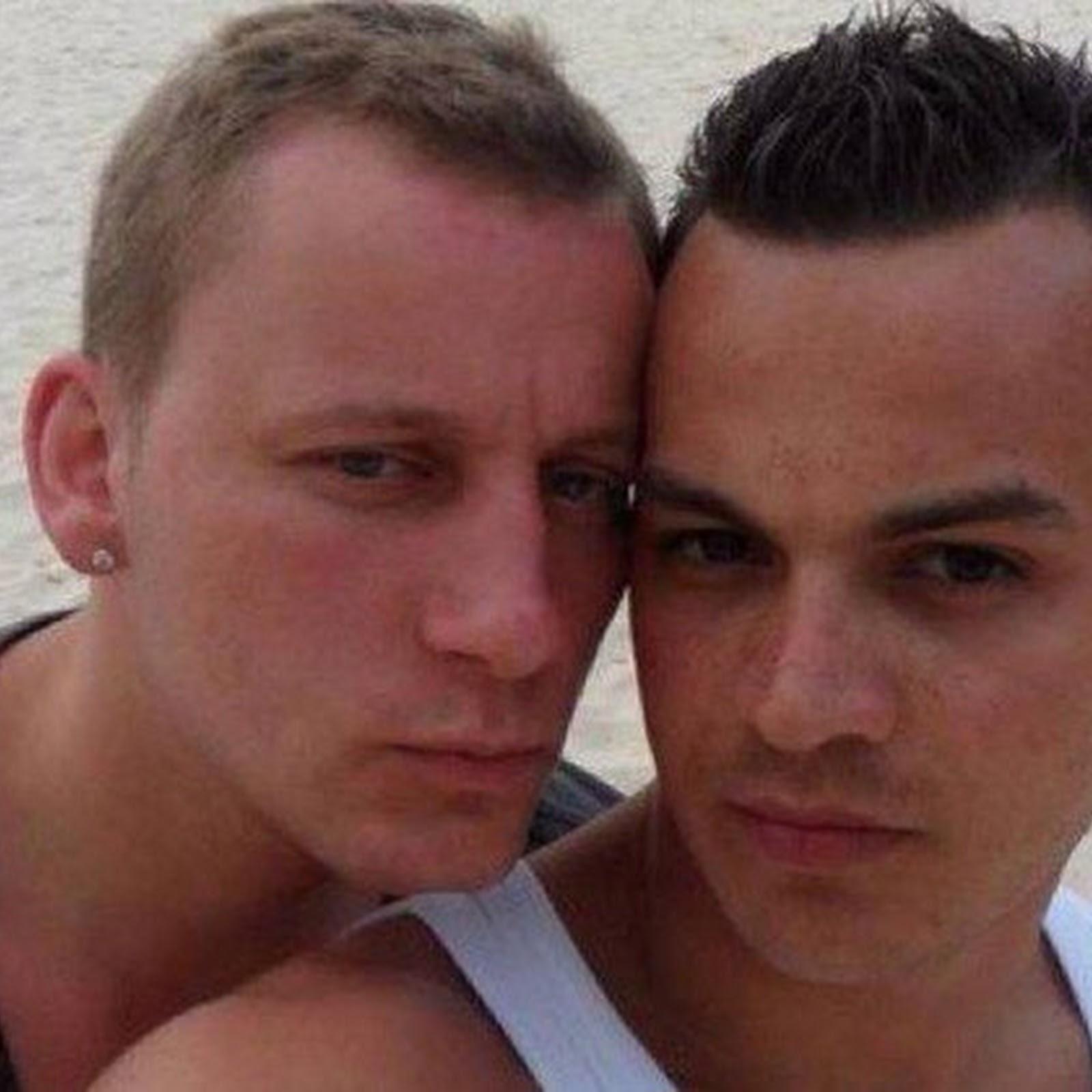 Heterossexuais da Holanda estão andando de mãos dadas em protesto a agressão contra casal gay