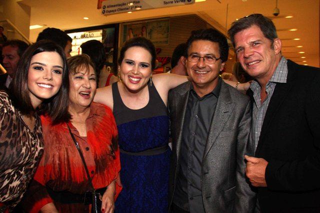 bf9400fa7c7d4 F shion Tour Brasil  Ótica Diniz abre loja no Conjunto Nacional