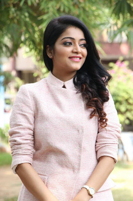 Janani Iyer Stills At Balloon Movie Trailer Launch