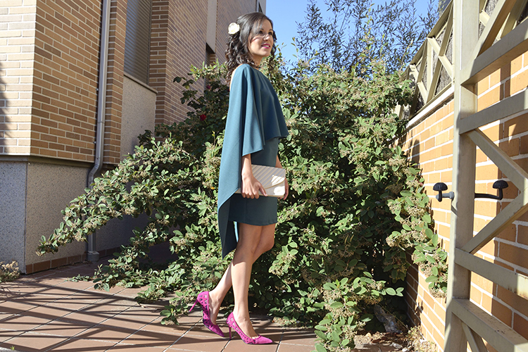 vestido-verde-espalda-capa-invitada-boda-wedding-look-blogger-color-block