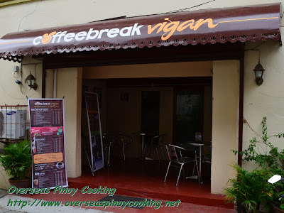 Enjoy a cup of coffee at Coffeebreak Vigan