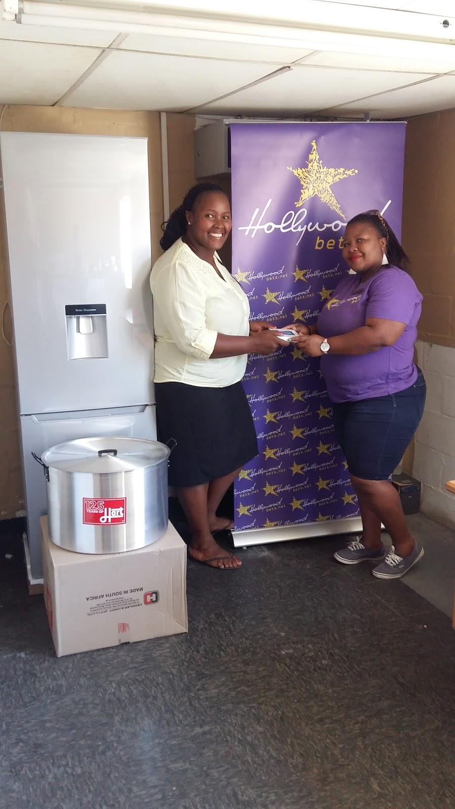 Elundini receives a brand new ridge, two big pots and some computer software from Hollywoodbets Montague Gardens