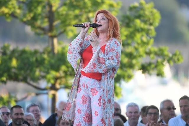 Shirley Clamp en Allsång på Skansen