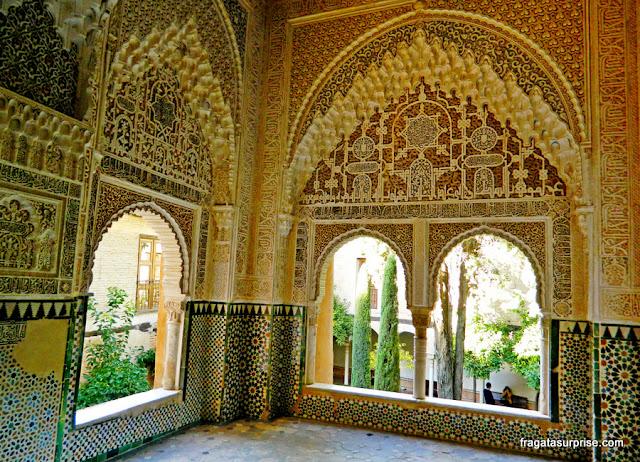 janela de Lindaraja, no Palácio dos Leões da Alhambra