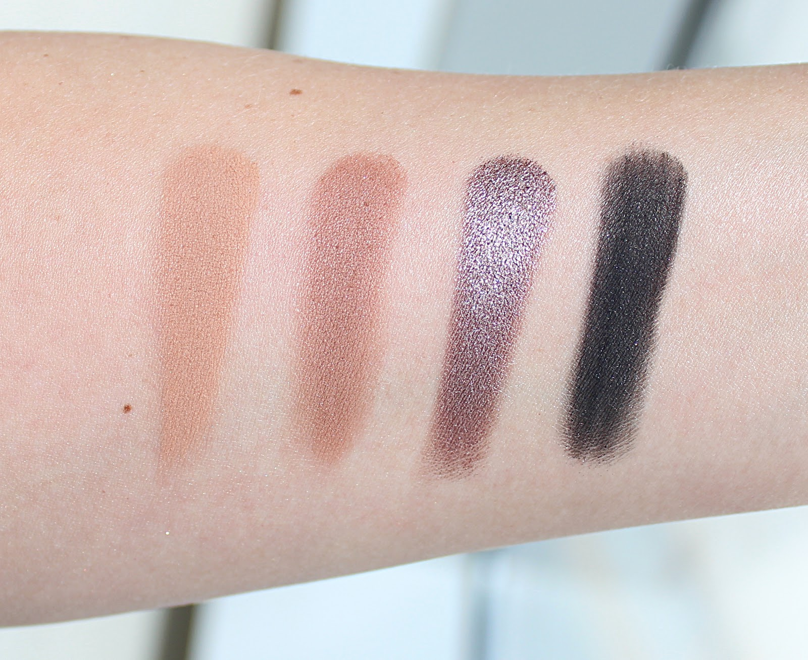 What's In My Z Palette with Comparison Swatches / Life in Excess Blog