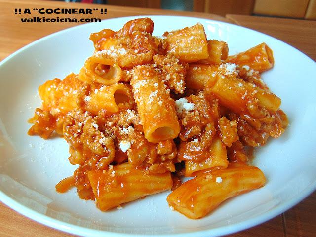 Espaguetis o macarrones boloñesa fácil