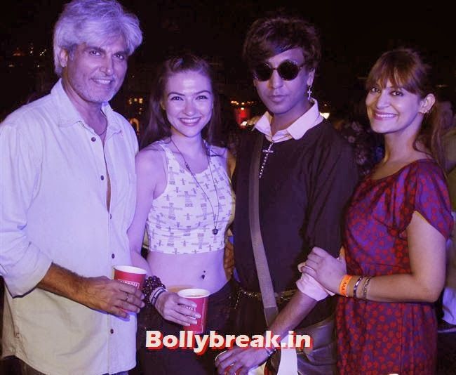 Harindra Singh, Rehan Shah And Candy Brar, Page 3 Babes at Sunburn Arena DJ AVICII Concert