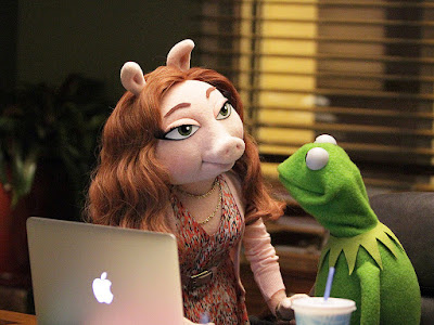 the-muppets_denise-gustavo-kermit