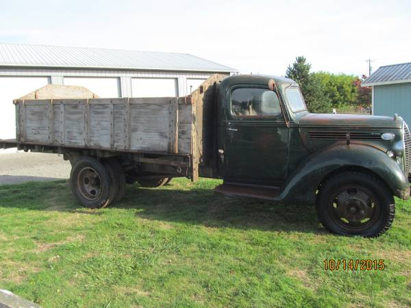 Barn Find, 1939 Ford Farm Truck - Old Truck