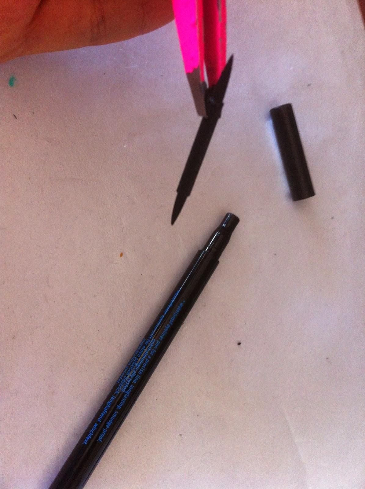 LaLà: Eyeliner in penna già secco? Ecco come farlo tornare ...