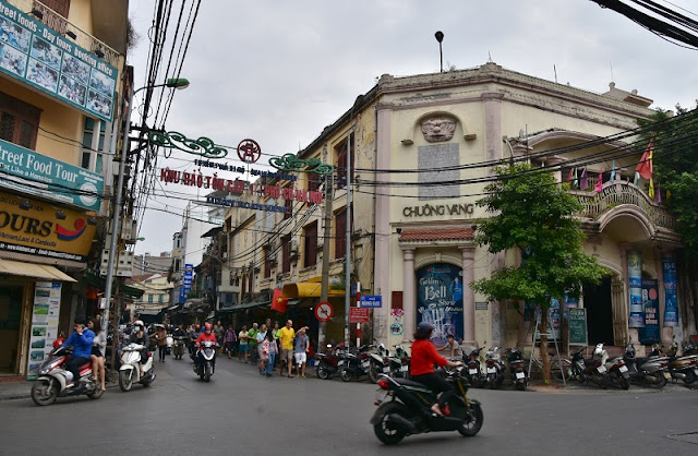 8 tips for exploring the Hanoi capital 1
