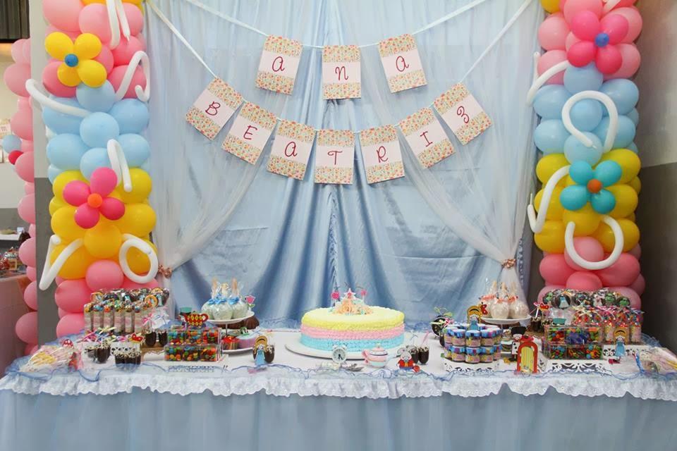 cha-tarde-tema-alice-pais-maravilhas-mesa-bolo