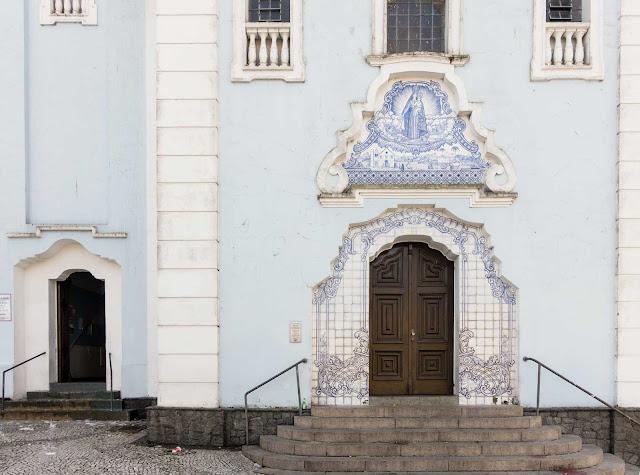 Igreja do Rosário - azulejos externos