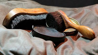 bisnis jasa cuci sepatu omset puluhan juta rupiah