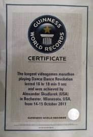Jogou Dance Dance Revolution por 16 horas e ganhou um Guinness world records certificate