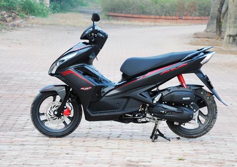 Sơn xe Honda Airblade màu đen mờ