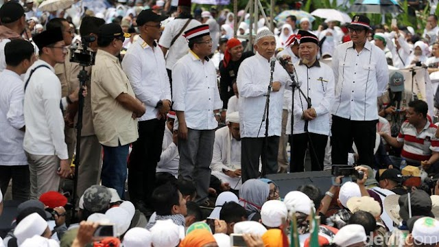 Waduh, Ngerinya Mbah Amien Rais Ejek Jokowi & Pendukungnya Saat Orasi Aksi Bela Rohingya
