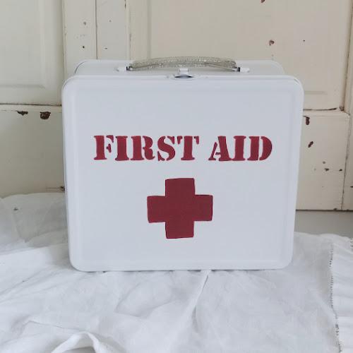 DIY Lunchbox First Aid Kit