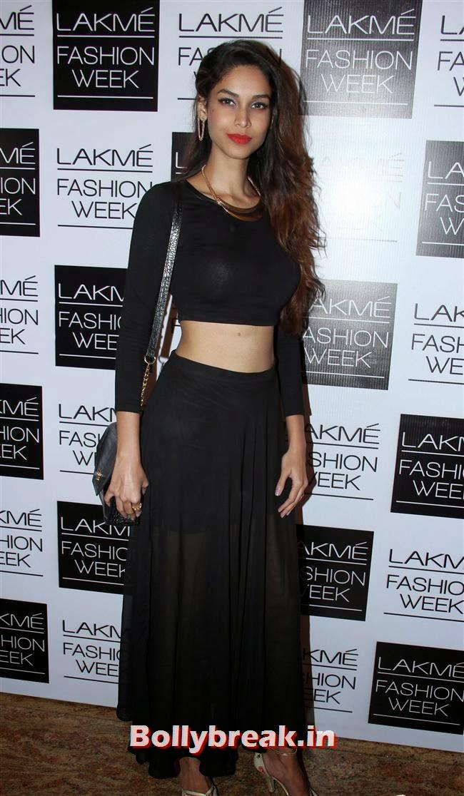 Amruta Patki, Bollywood Actresses at Manish Malhotra Show at LFW Summer Resort 2014