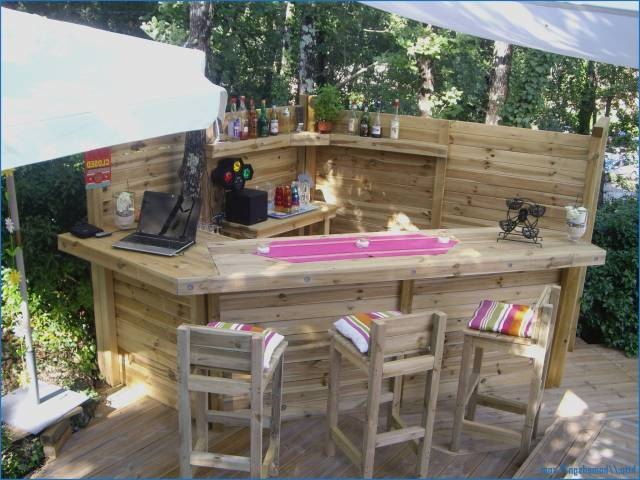 r cup et fait maison fabriquer un bar en palettes. Black Bedroom Furniture Sets. Home Design Ideas