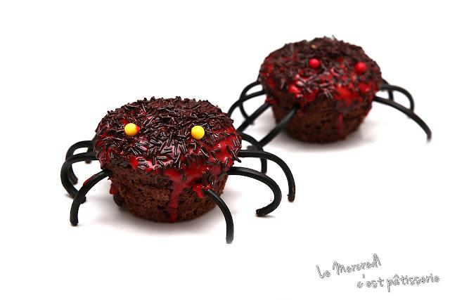Muffins au chocolat - décoration araignée