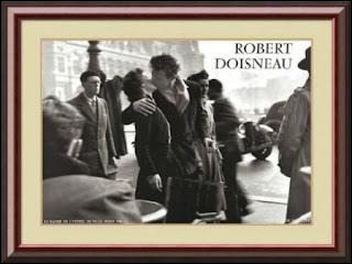 Robert Doisneau Le Baiser de l'Hotel de Ville